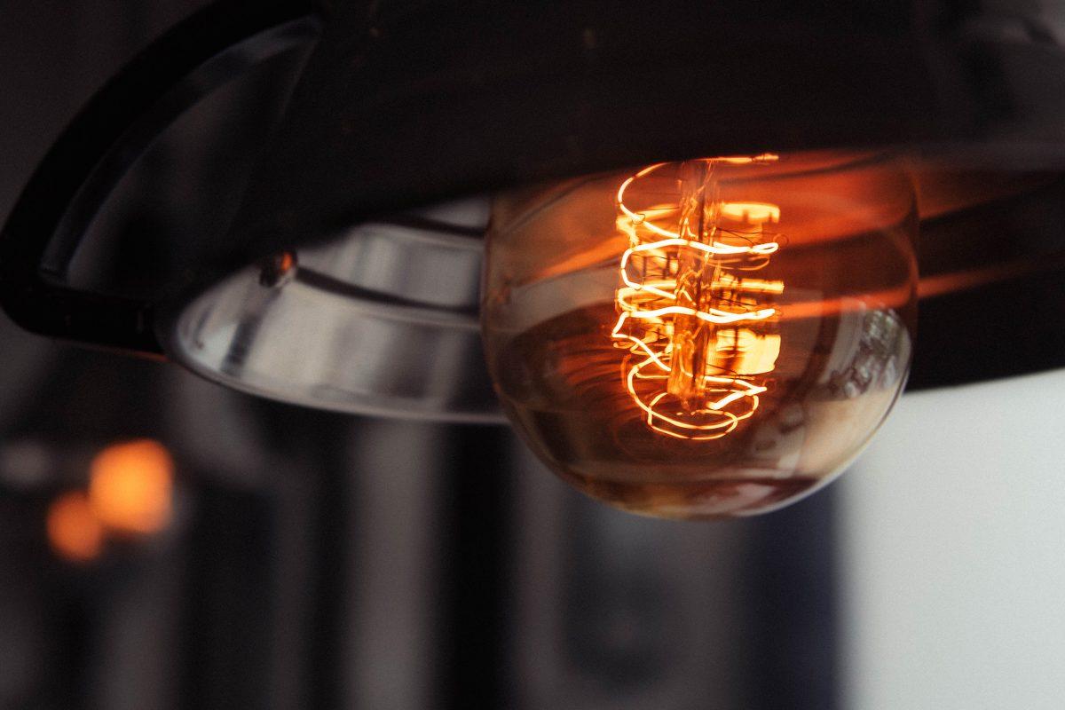 alquilar-servicio-electrico-luz-